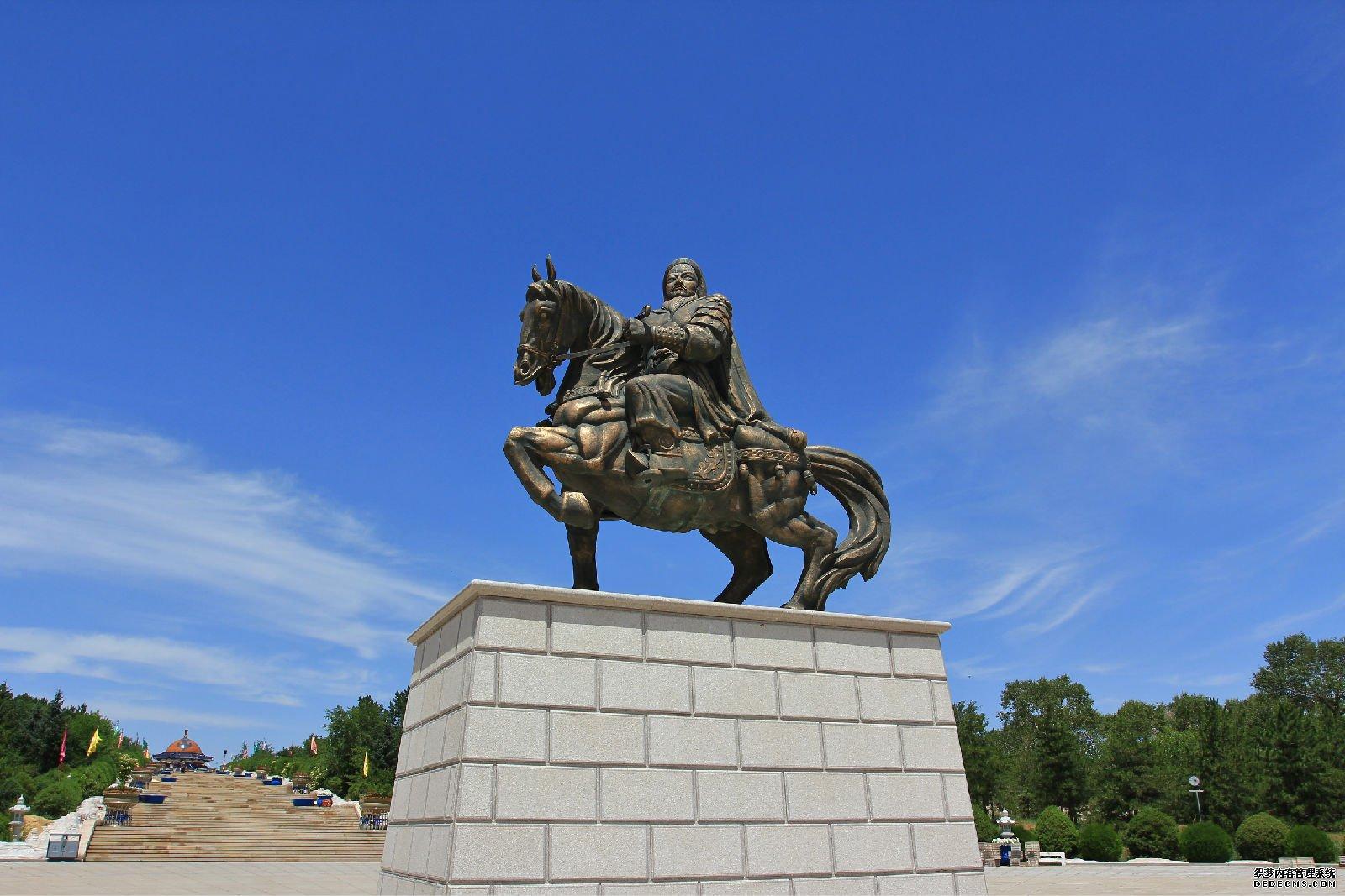 <b>成吉思汗陵的金戈铁马</b>